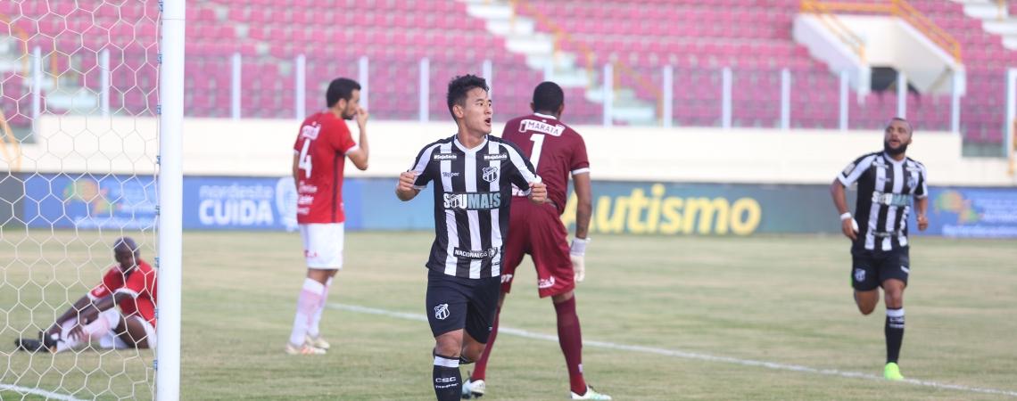 Meia Chico marcou o gol da vitória do Ceará. Ele é o artilheiro do Alvinegro na temporada, com cinco tentos anotados.