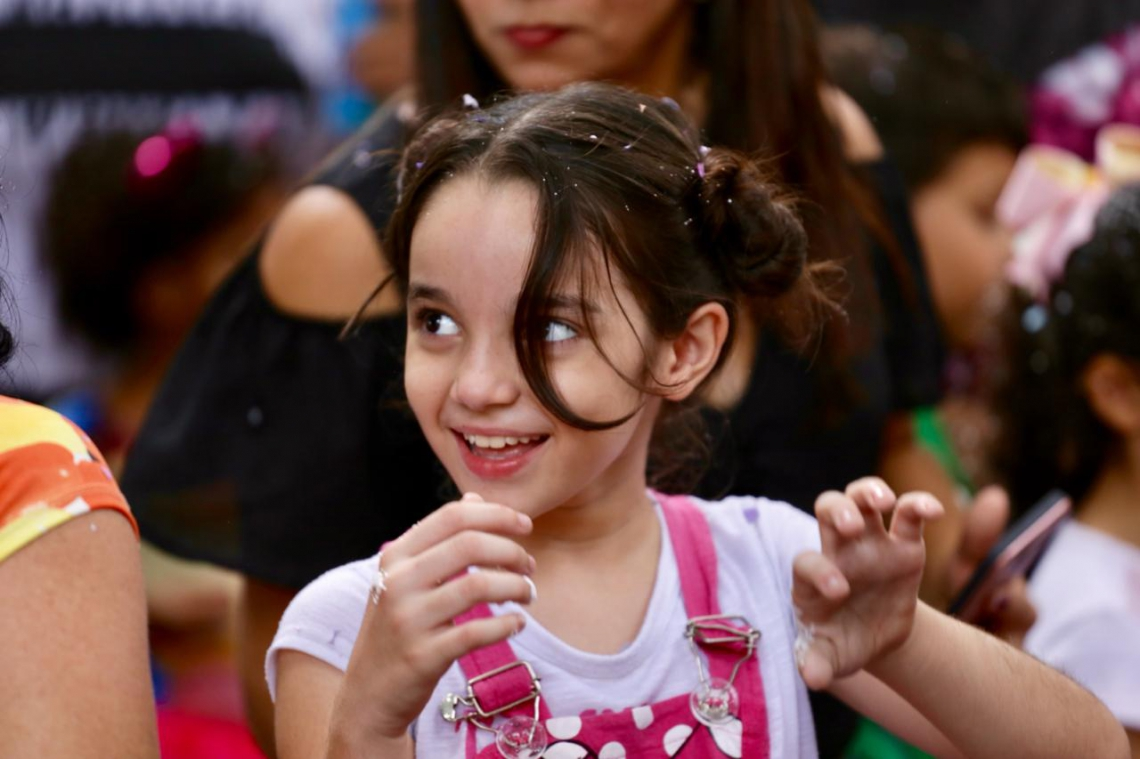 Mayara Eurenice, 9, adora as brincadeiras do Carnaval