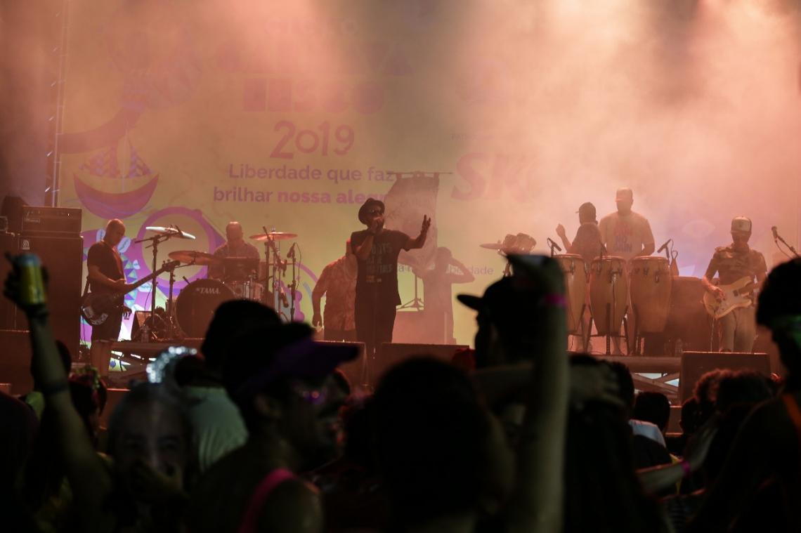Nação Zumbi encerra festa no Aterro (Foto: Marília Camelo/Especial para O POVO)