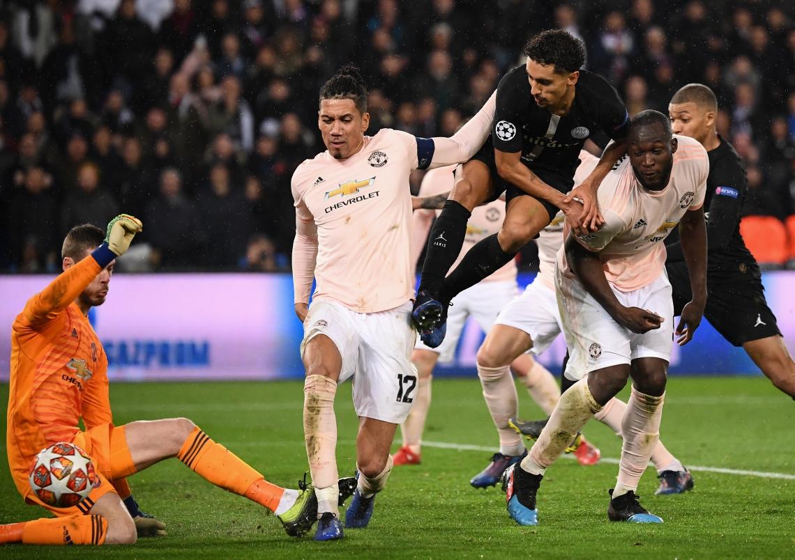 PSG, do brasileiro Marquinhos, (D) não conseguiu segurar a vantagem contra o Manchester