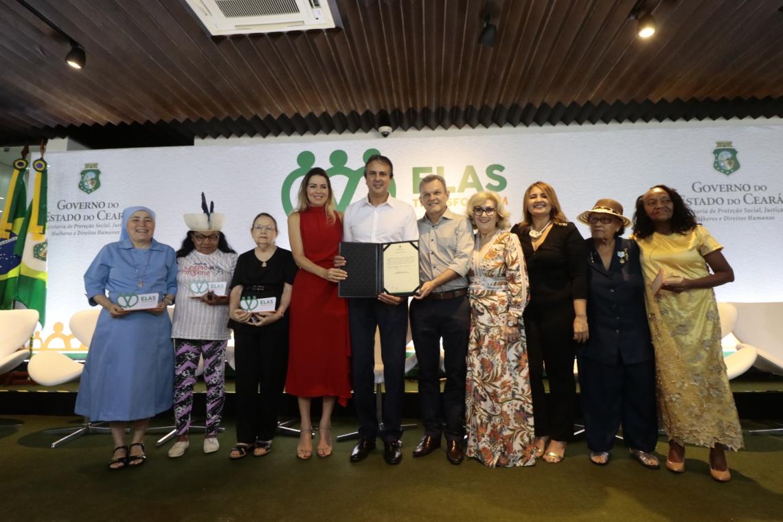 Cerimonia em homenagem ao dia das mulheres pelo Governador Camilo Santana e sua primeira dama. (Foto: Gustavo Simão/ Especial para O POVO)