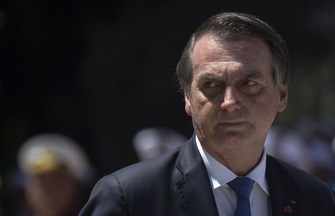 Bolsonaro teve oscilação negativa na aprovação e crescimento da reprovação em março