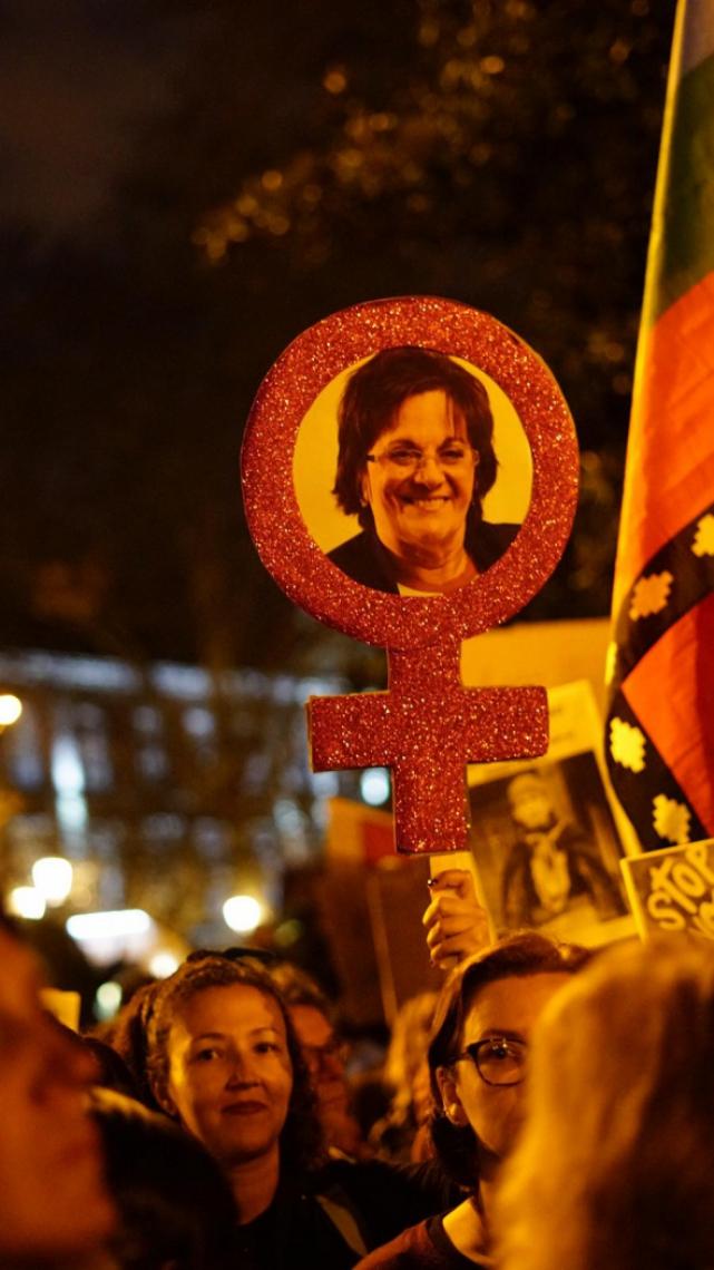 Manifestantes homenagearam Maria da Penha e Marielle Franco durante manifestações (FOTO: Yuri Alexsander/Especial para O POVO)