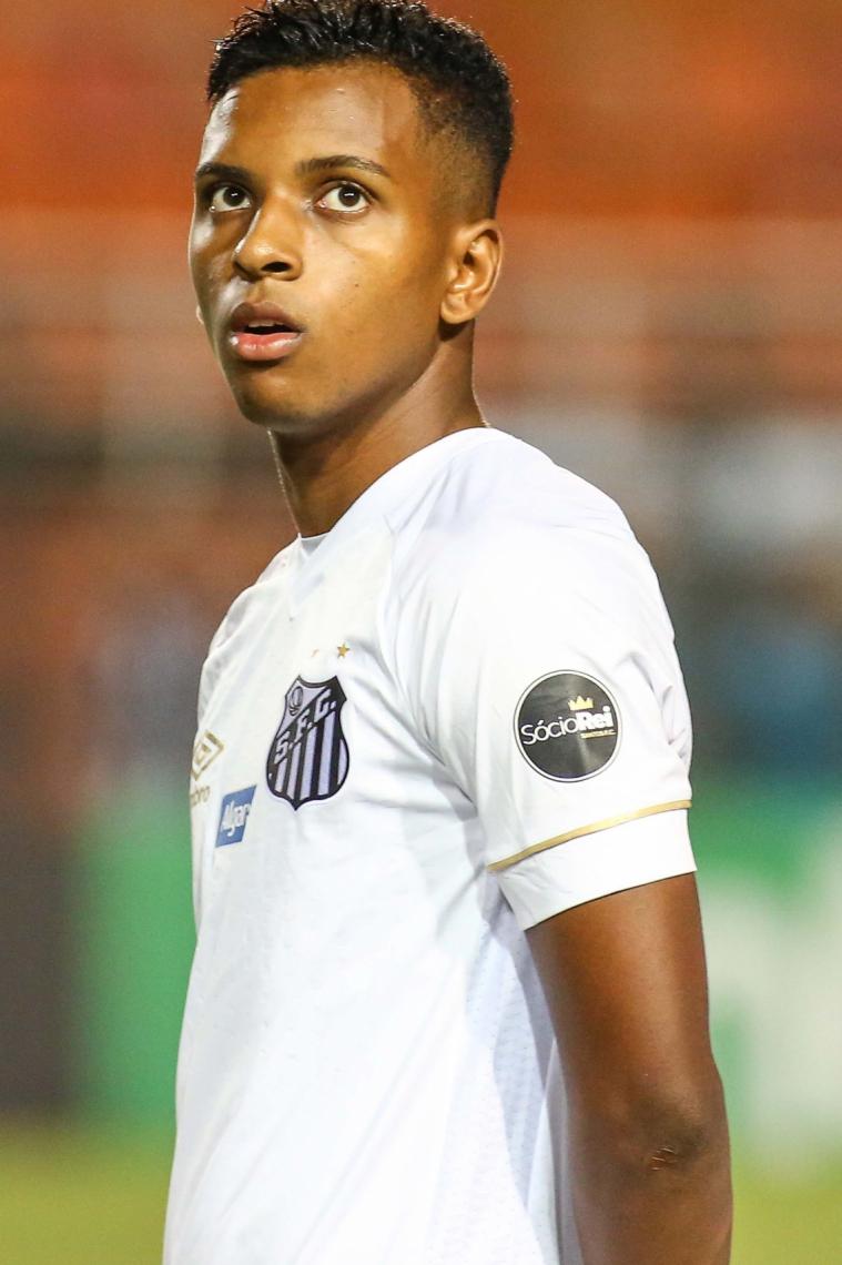 RODRYGO, jovem revelação do Santos,  negociado com o Real Madrid aos 18 anos de idade