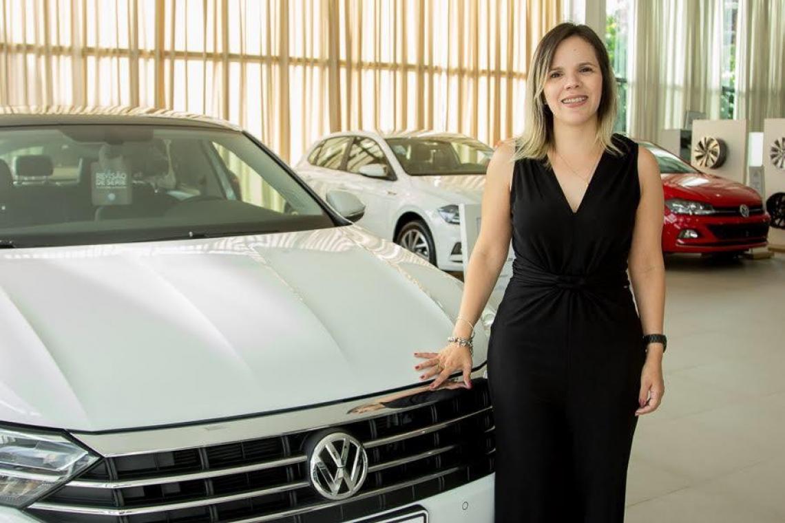 Aline Teixeira é superintendente da Meira Lins, concessionária Volkswagen do grupo ADTSA.