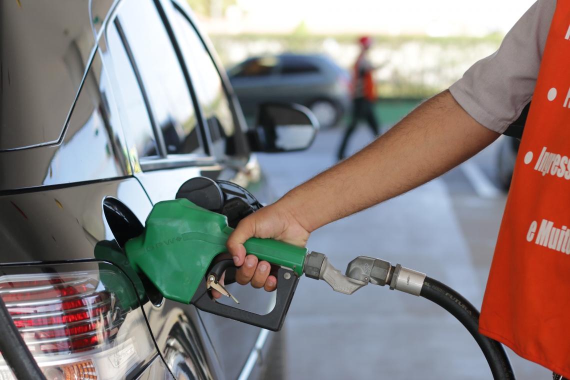Postos de gasolina serão fiscalizados durante a semana (Foto: Rodrigo Carvalho/O POVO)