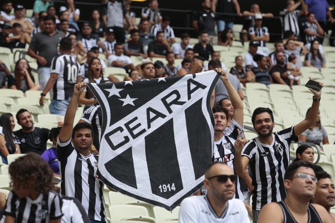 Torcida do Ceará poderá adquirir ingressos para a partida contra o Athletico-PR. Foto: Júlio Caesar/O POVO.
