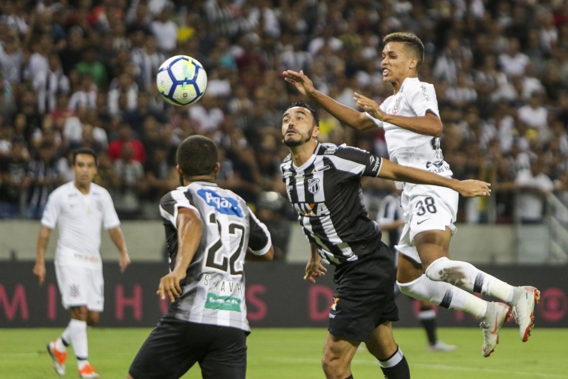 Samuel Xavier e Tiago Alves (foto) continuaram no elenco para 2019, mas só o primeiro está à disposição de Lisca para jogo desta quarta (Foto: Mateus Dantas/O POVO)