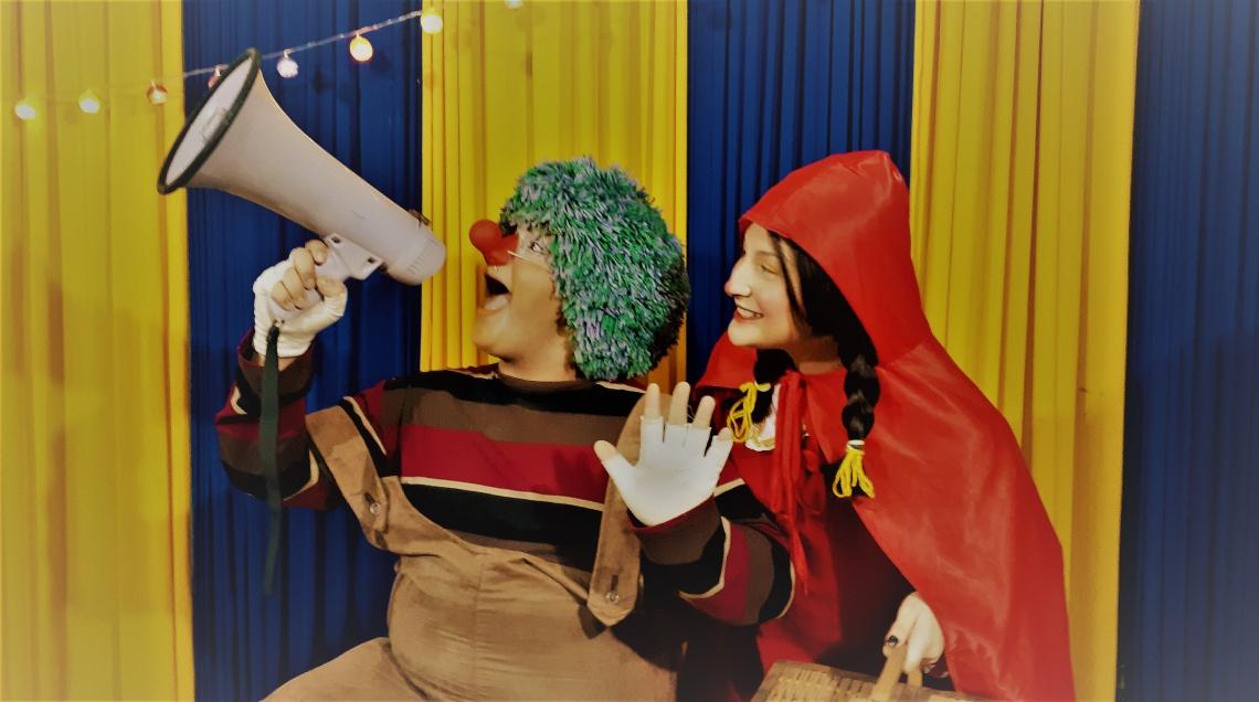 O espetáculo traz uma versão  cheia de humor, imaginação e  fantasia para o conto clássico