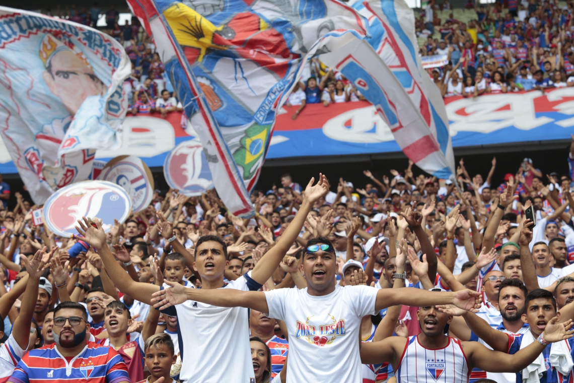 No último Clássico-Rei, pouco mais de 4 mil torcedores fizeram o check-in, dos 13.900 presentes (Foto: Julio Caesar/O POVO)