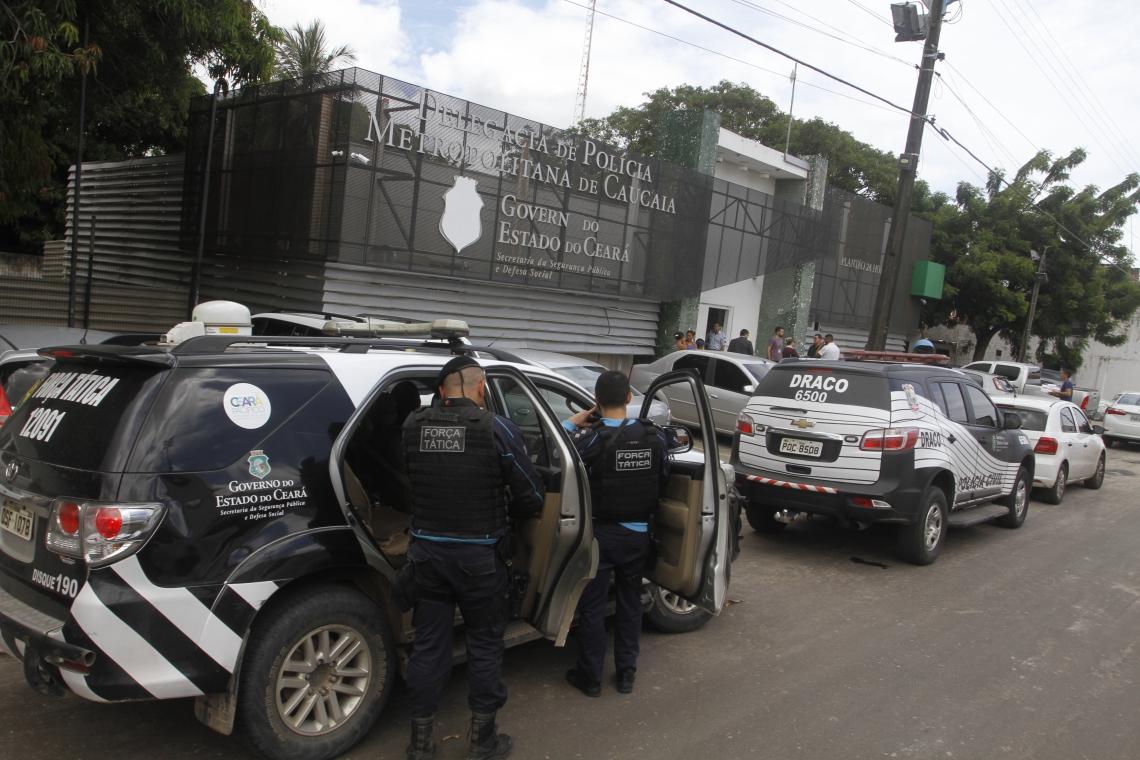 Em relação a roubos de maiores proporções, como roubos a bancos e veículos, houve uma redução de 20,7% em todo o Estado. (Foto: Evilázio Bezerra/O POVO)