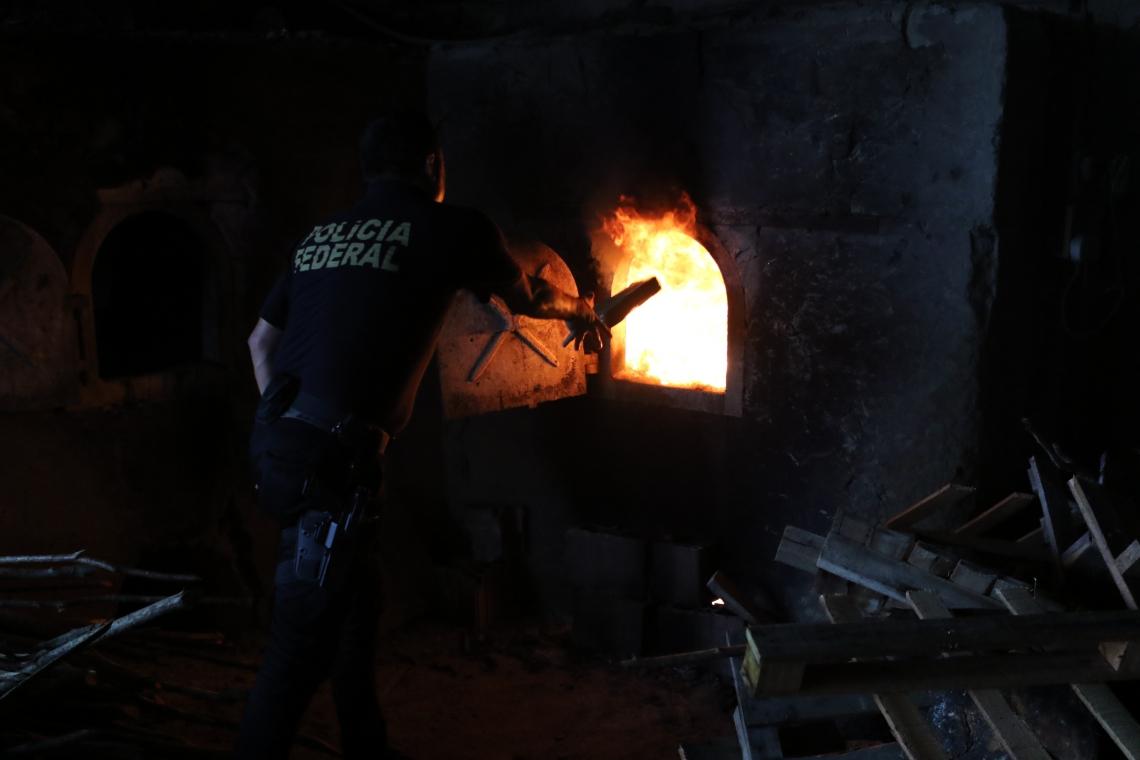 Incineração aconteceu em Aquiraz (Foto: Fabio Lima/O POVO)