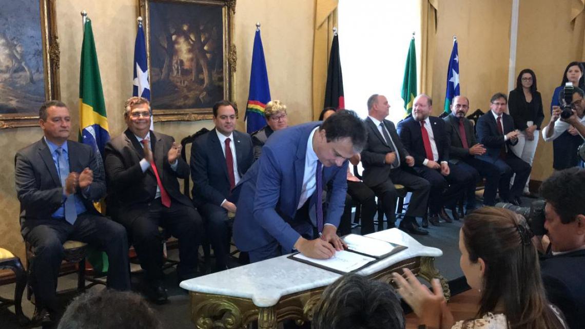 O GOVERNADOR Camilo Santana assinou a criação do Consórcio Nordeste