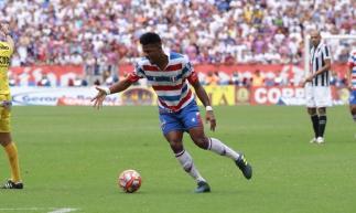 Júnior Santos, atacante do Fortaleza. Fortaleza x Ceará, campeonato Cearense. Estádio Castelão. (Foto: Júlio Caesar/O POVO)