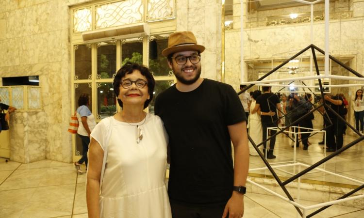 (foto 5) Dodora Guimarães e Cadeh Juaçaba