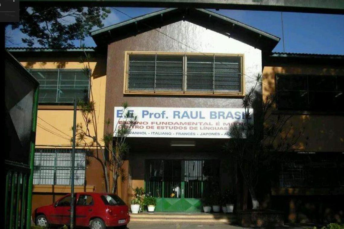Tiroteio teria ocorrido dentro da Escola Estadual Prof. Raul Brasil, em Suzano (SP) (Foto: Google Street View/Reprodução)