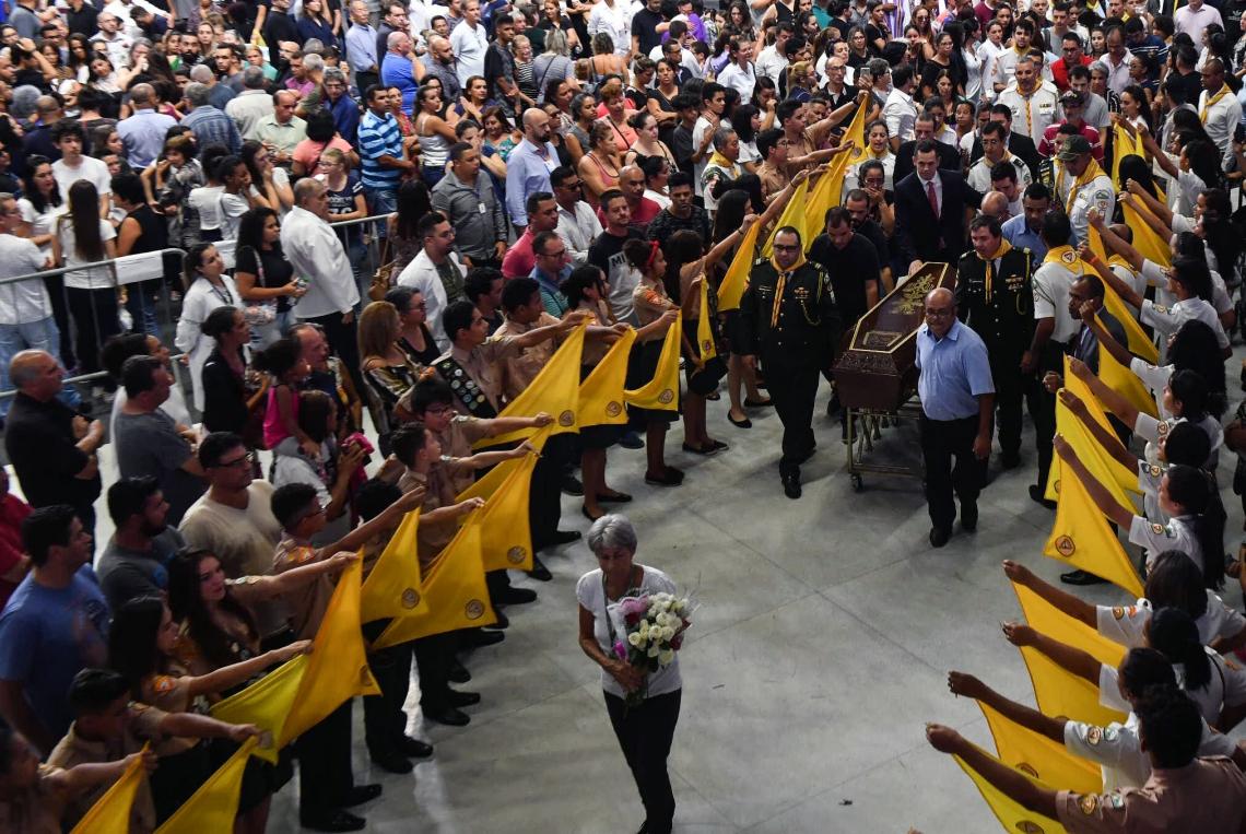 VELÓRIO das vítimas do massacre ocorreu na Arena Suzano e levou 15 mil pessoas ao local