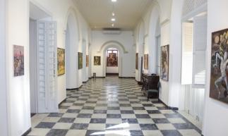 A exposição que inaugurou o Centro Cultural Casa Barão de Camocim foi do artista cearense Descartes Gadelha