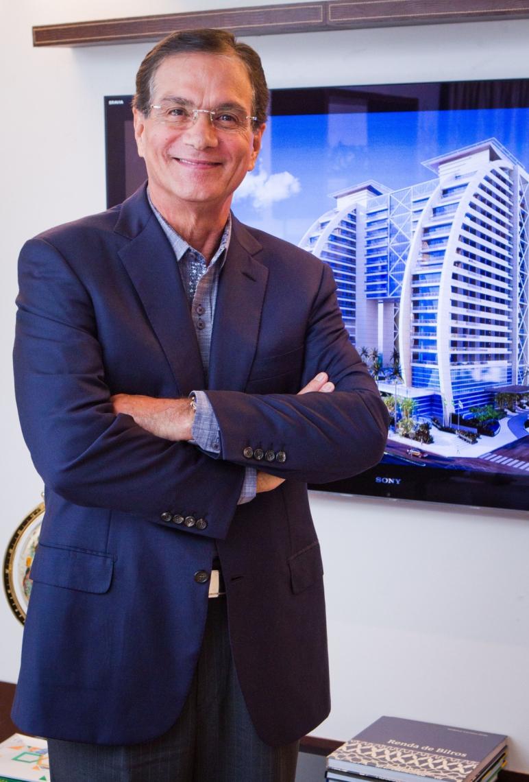 PROMETIDO, cumprido. O empresário Beto Studart, entregará, 28 próximo, o maior empreendimento imobiliário do Ceará, o BS Design. Projeto arquitetônico é algo inédito, deslumbrante, arrojado. Beto acompanhou de perto a sua cria maior. Momento em que o setor atravessa grave crise, a BSPAR enfrentou todos os desafios, dando uma lição de responsabilidade, integridade e seriedade. BS Design será, sem dúvida, o gol de placa do ano.
