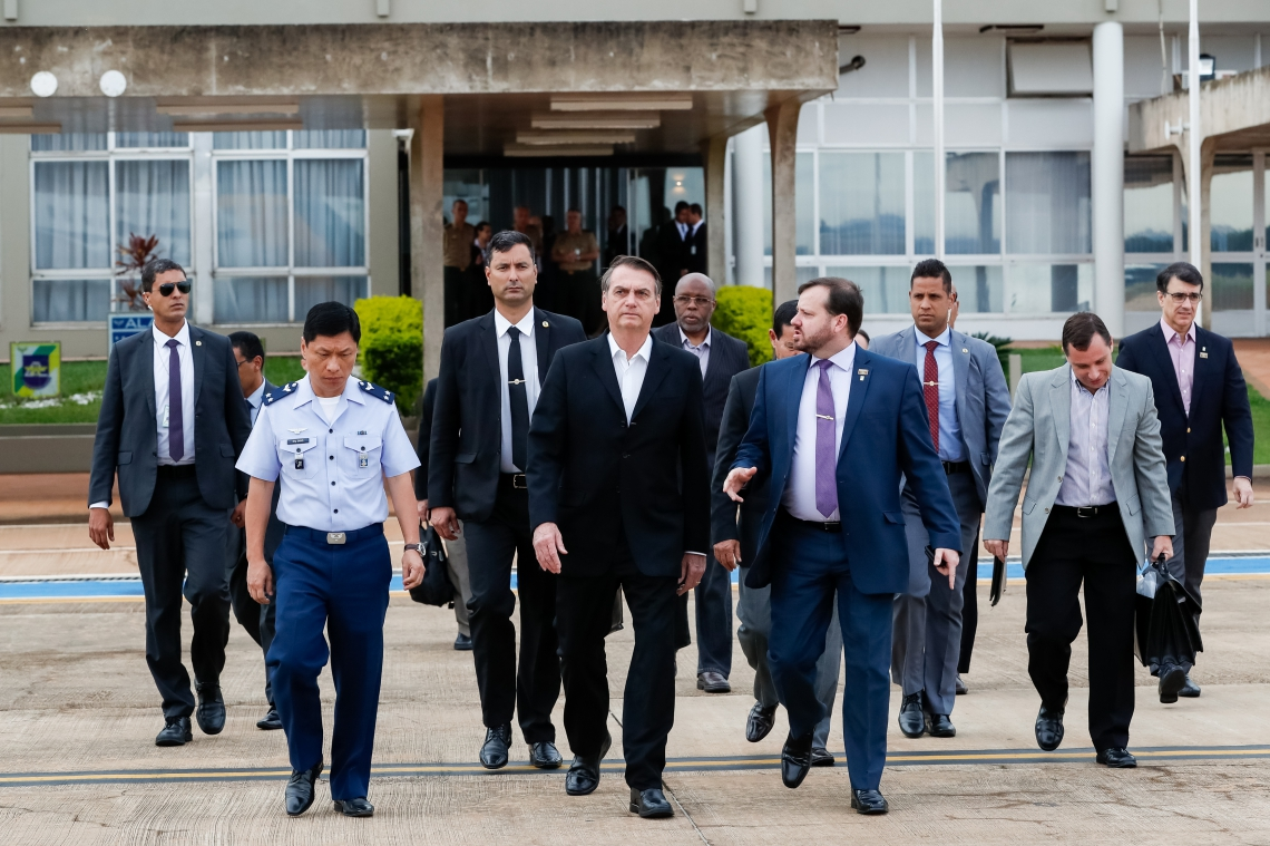 Jair Bolsonaro viajou  ontem para os Estados Unidos