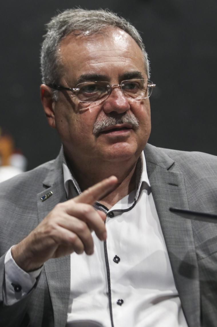 """""""São tempos difíceis para o comércio, que precisa voltar à sua normalidade"""", diz Assis Cavalcante, presidente da CDL de Fortaleza"""