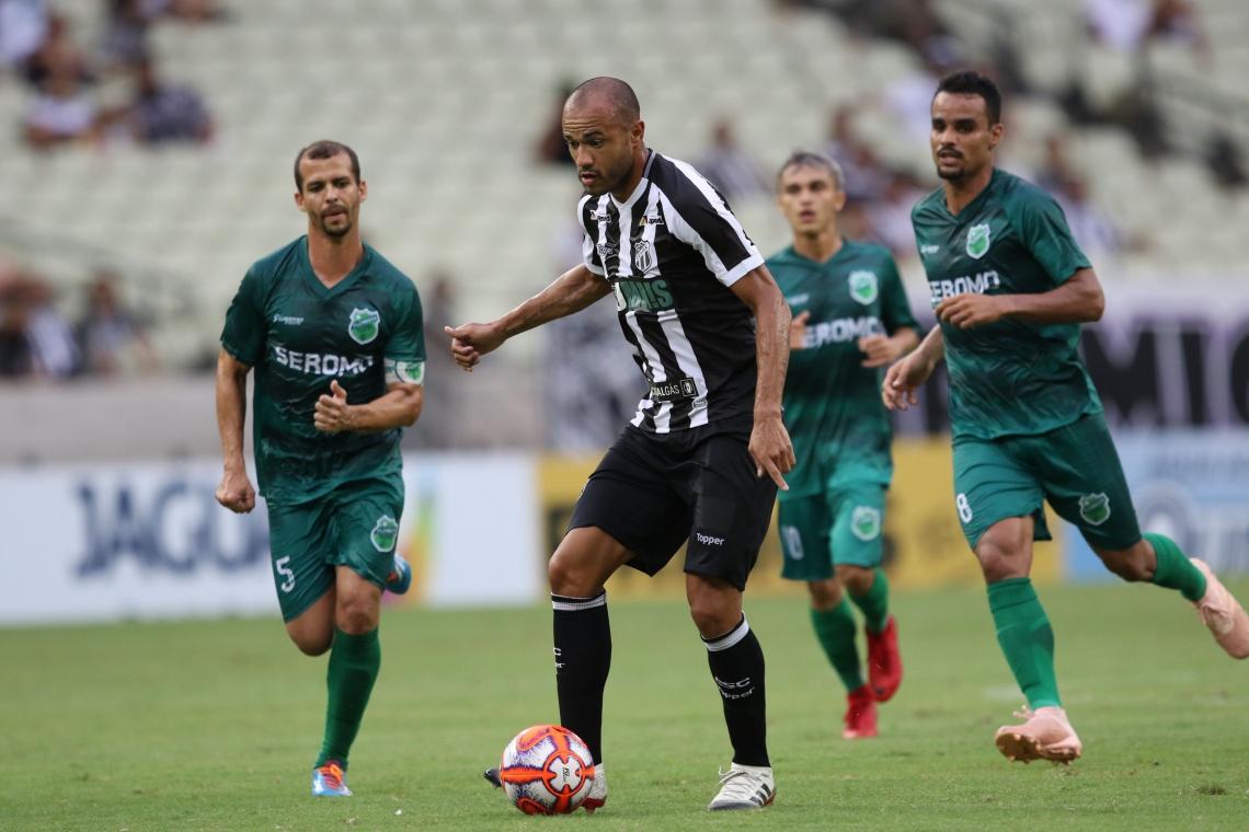 Ceará e Floresta se enfrentarão na semifinal. No primeiro duelo entre ambos, o Alvinegro goleou por 4 a 0. Foto: Mateus Dantas/O Povo