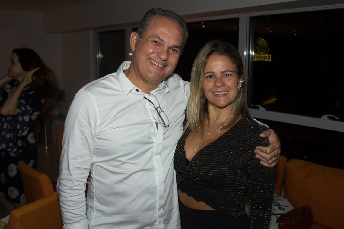 Roney Vasconcelos e Karol Siqueira