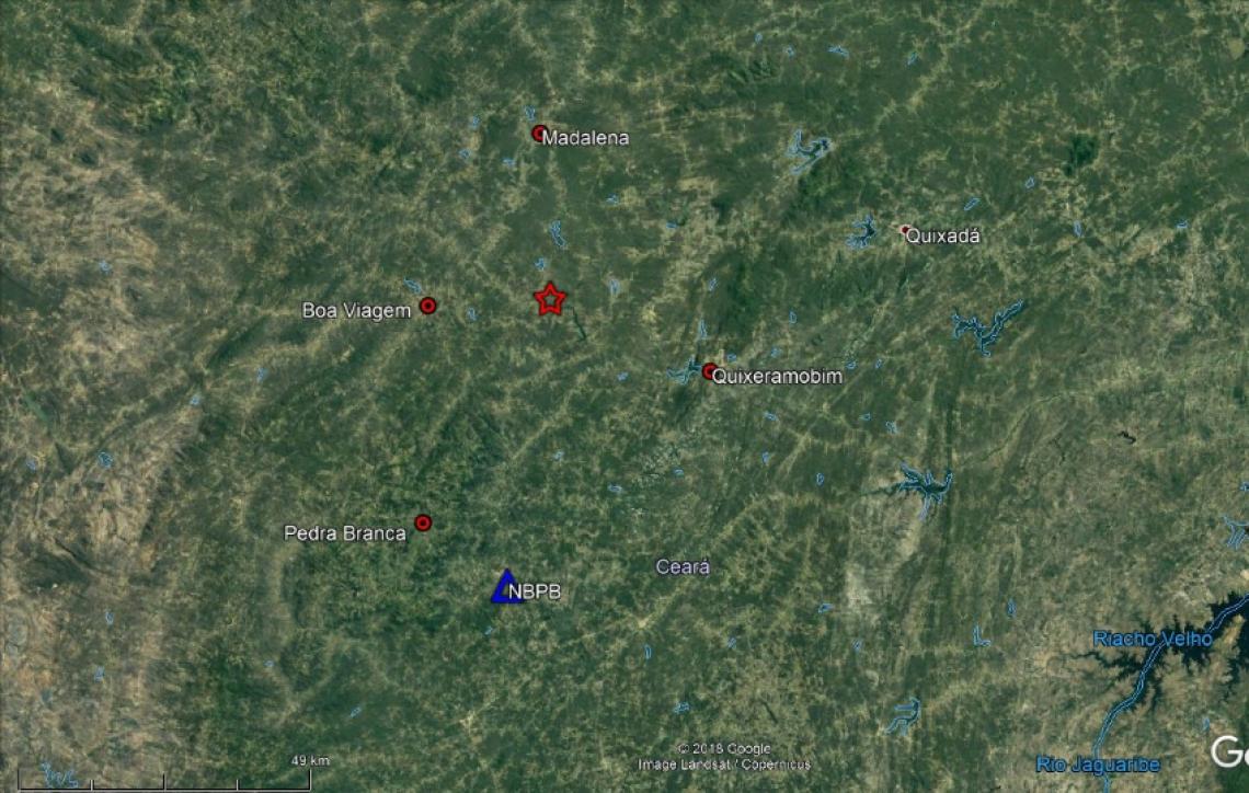 Estrela vermelha marca epicentro dos tremores. (Imagem: LABSIS/DIVULGAÇÃO)