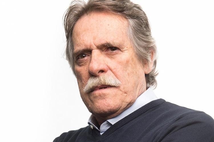 O ator revelou entusiasmo com a nova fase e disse que aos 74 anos vai tentar mostrar seu talento do outro lado do mundo. (Foto: Divulgação/TV Globo)