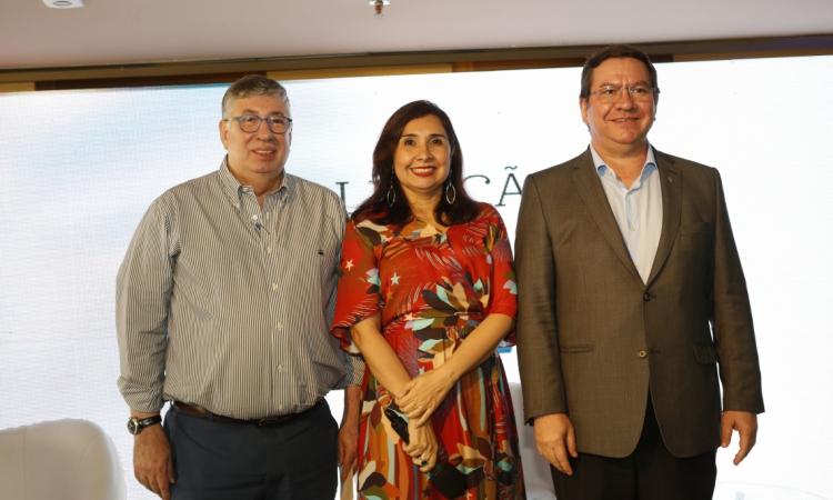 (foto 4) Maia Junior , Neila Fontnelle e Lucio Ferreira Gomes