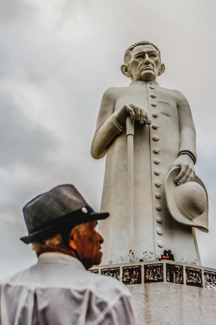 JUAZEIRO DO NORTE, CE, BRASIL, 15-06-2017: Estátua de Padre Cícero no Horto de Juazeiro. Turismo - Fotos para arquivo. (Foto: Camila de Almeida/O POVO)