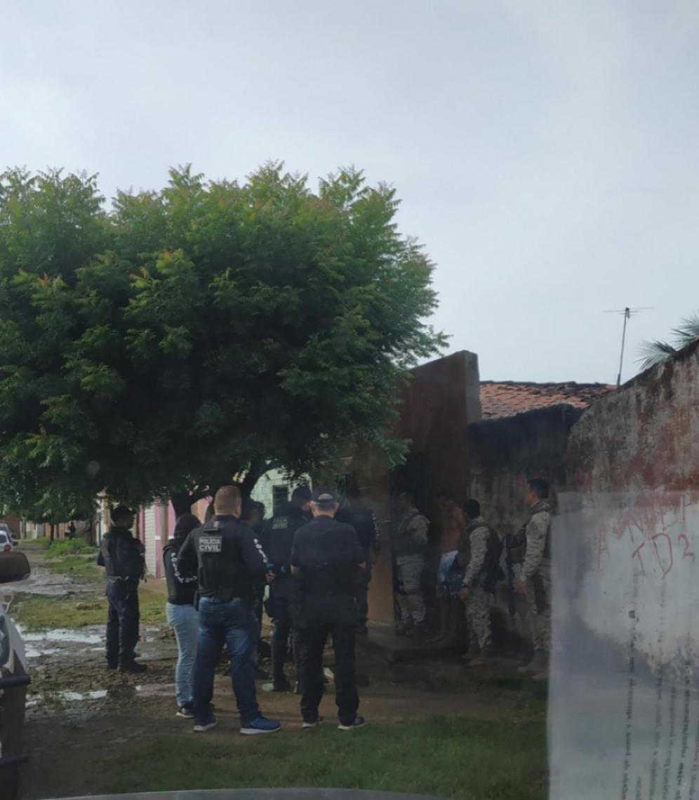 Policiais investigam circunstâncias do crime em Sobral