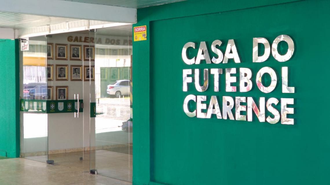 FCF mantém rodada de ida das semifinais com os dois jogos iniciando às 21h30min. Foto: Brenno Rebouças/O POVO
