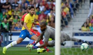 Na sua estreia, Lucas Paquetá marcou o gol brasileiro no jogo