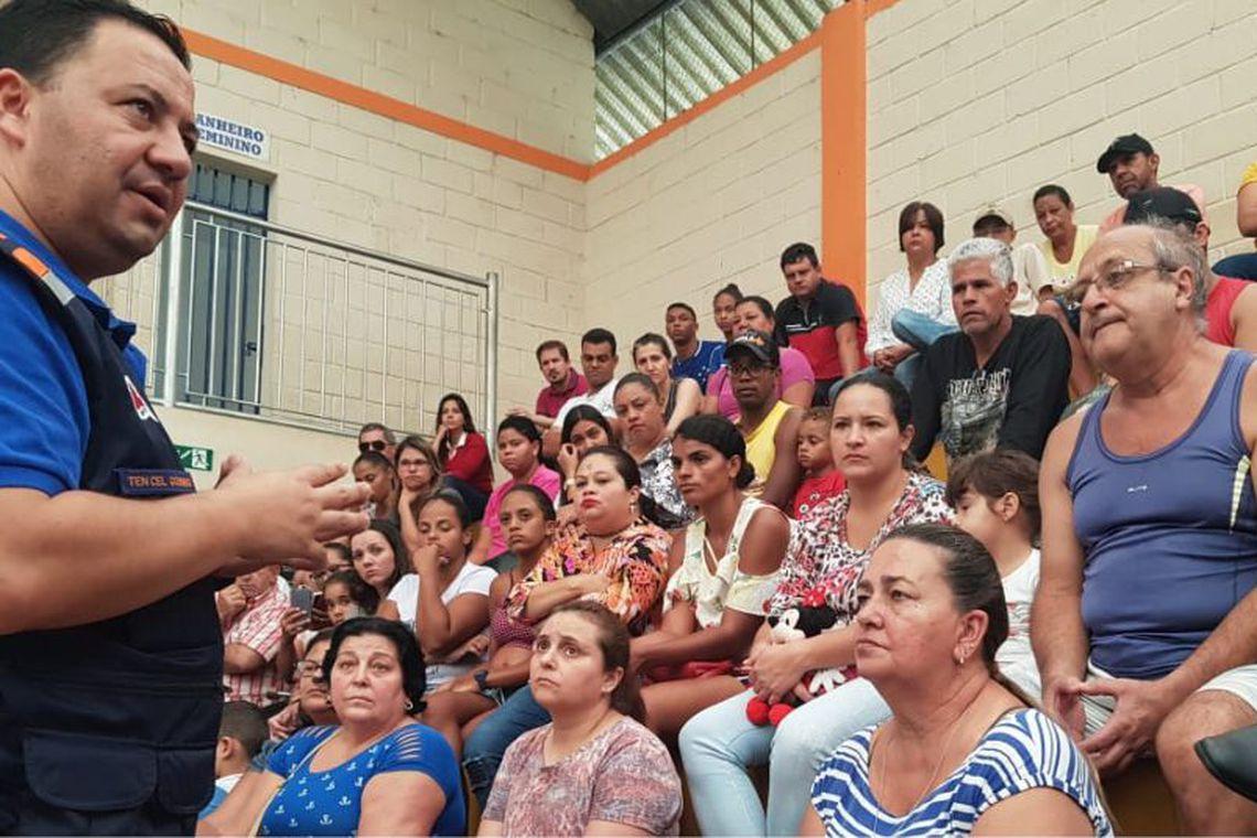 Moradores de Barão de Cocais, em Minas Gerais
