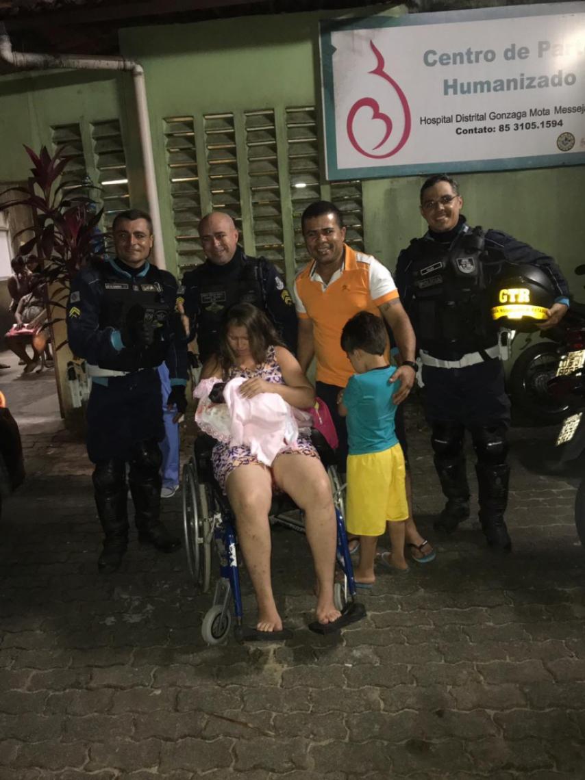 A criança nasceu a caminho do hospital
