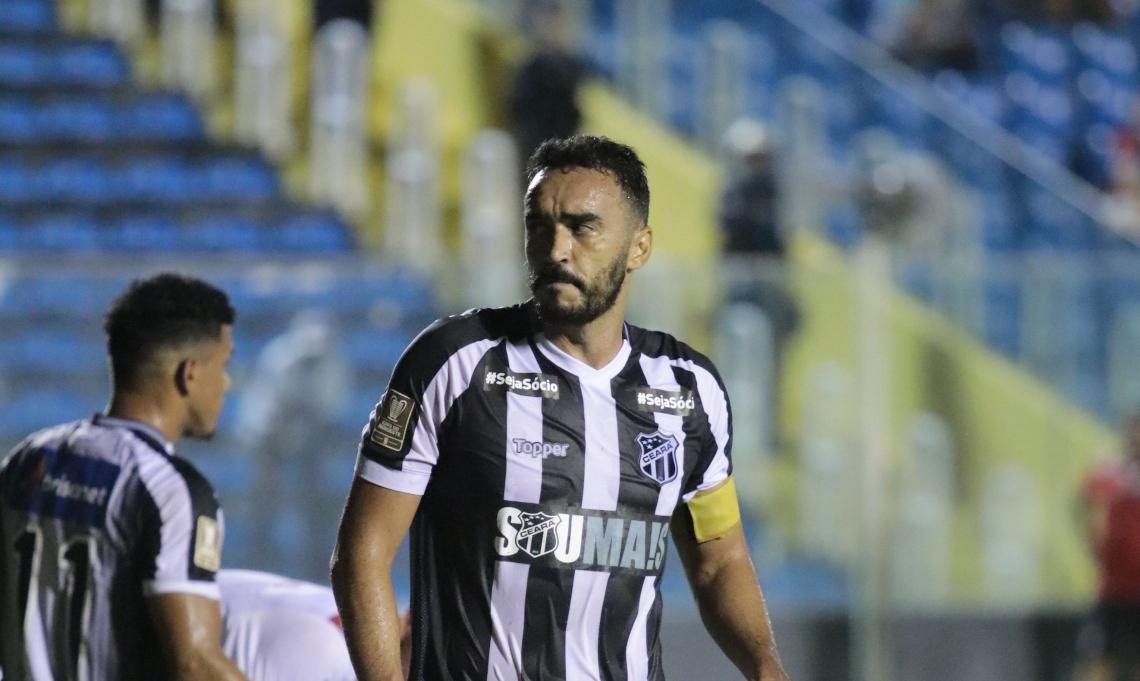 Tiago Alves vem sendo substituto de Luiz Otávio na zaga do Ceará.