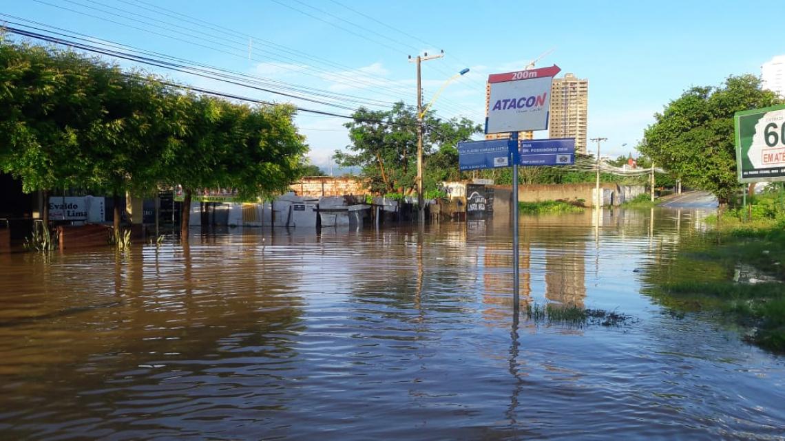 Chuva desta noite, 28, causou transbordamento da lagoa da APUC