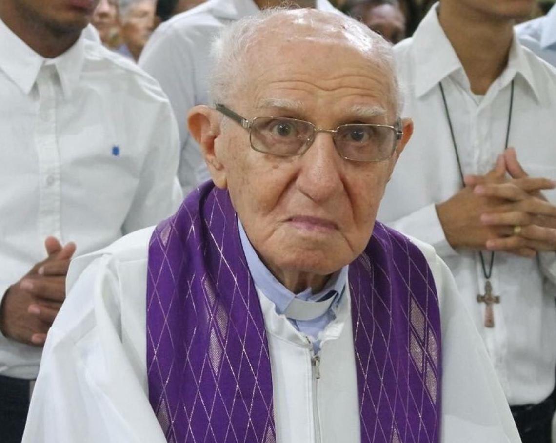 Na décade de 1980, Feitosa recebeu as bençãos do padre João Paulo II no estádio Castelão.