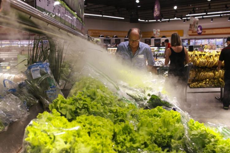 NA LOJA CONCEITO do Pão de Açúcar, na avenida Santos Dumont, em Fortaleza, sistema mantém as hortaliças frescas