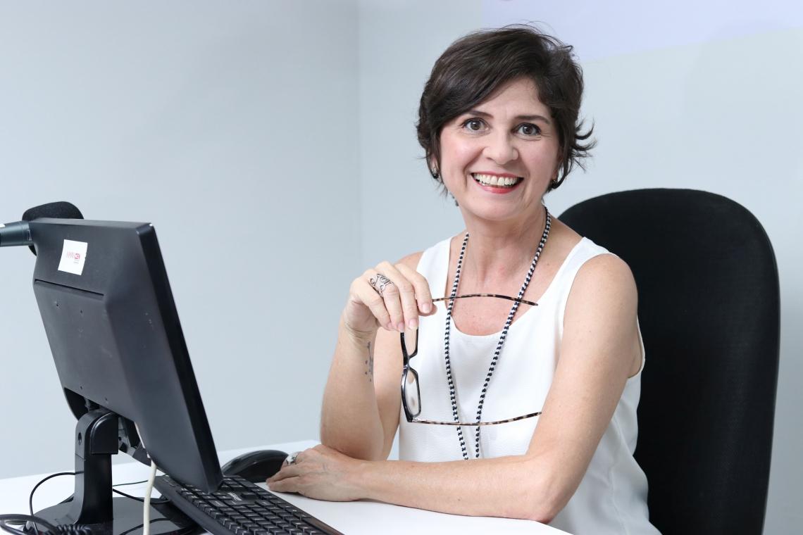 Jamila Araújo - Empresária e vice-presidente da CDL de Fortaleza   Jamila Araújo  jamilafaraujo@gmail.com    Empresária e vice-presidente da CDL de Fortaleza