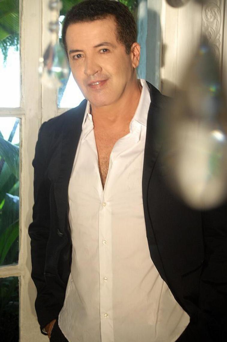 Cantor e compositor brasileiro Beto Barbosa
