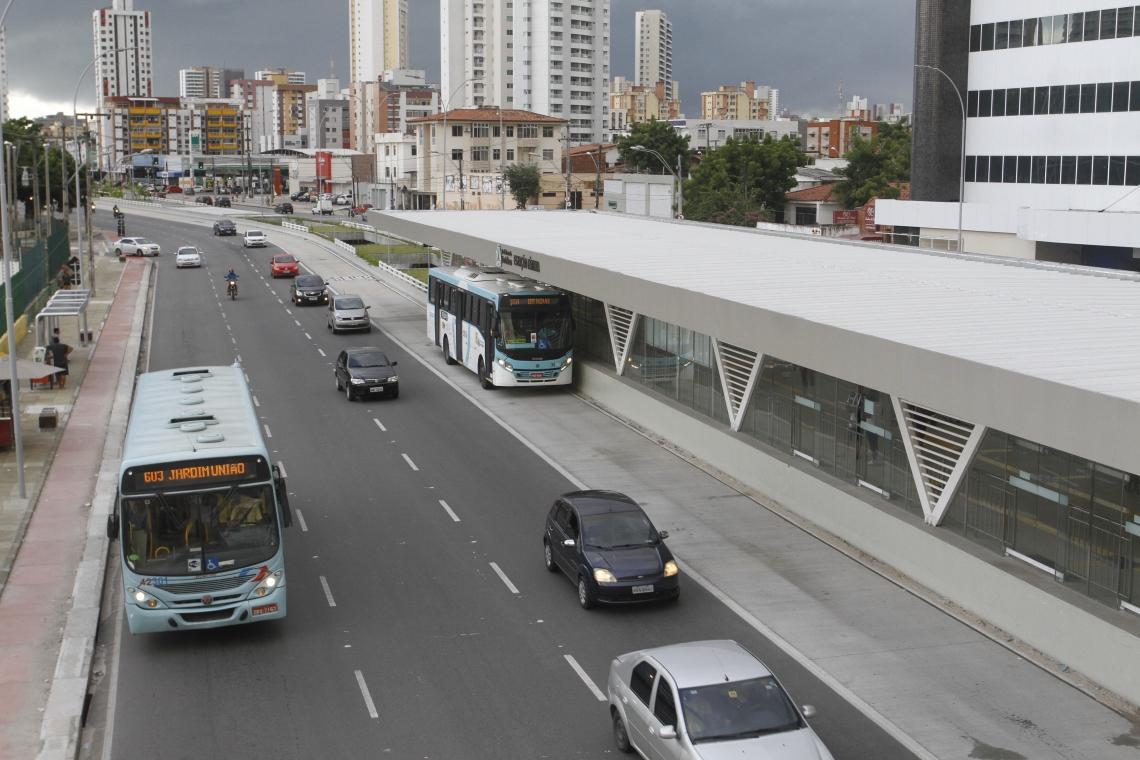 INAUGURADO há três meses, o BRT recebeu mais seis linhas ontem