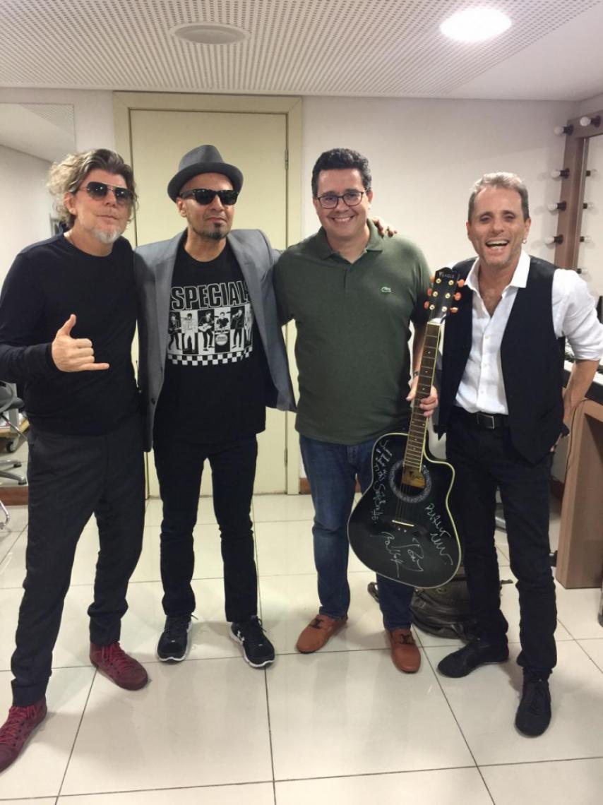 A banda é a primeira a assinar itens que estarão no Hard Rock Hotel Fortaleza