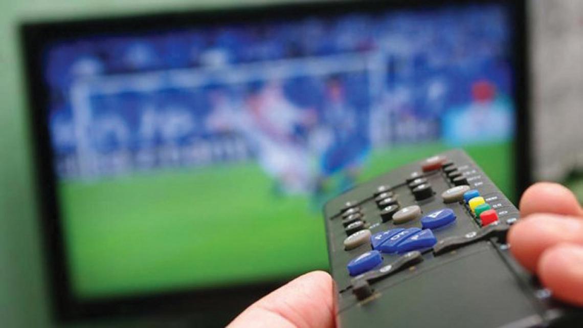 Confira a programação do futebol nacional e internacional desta segunda-feira