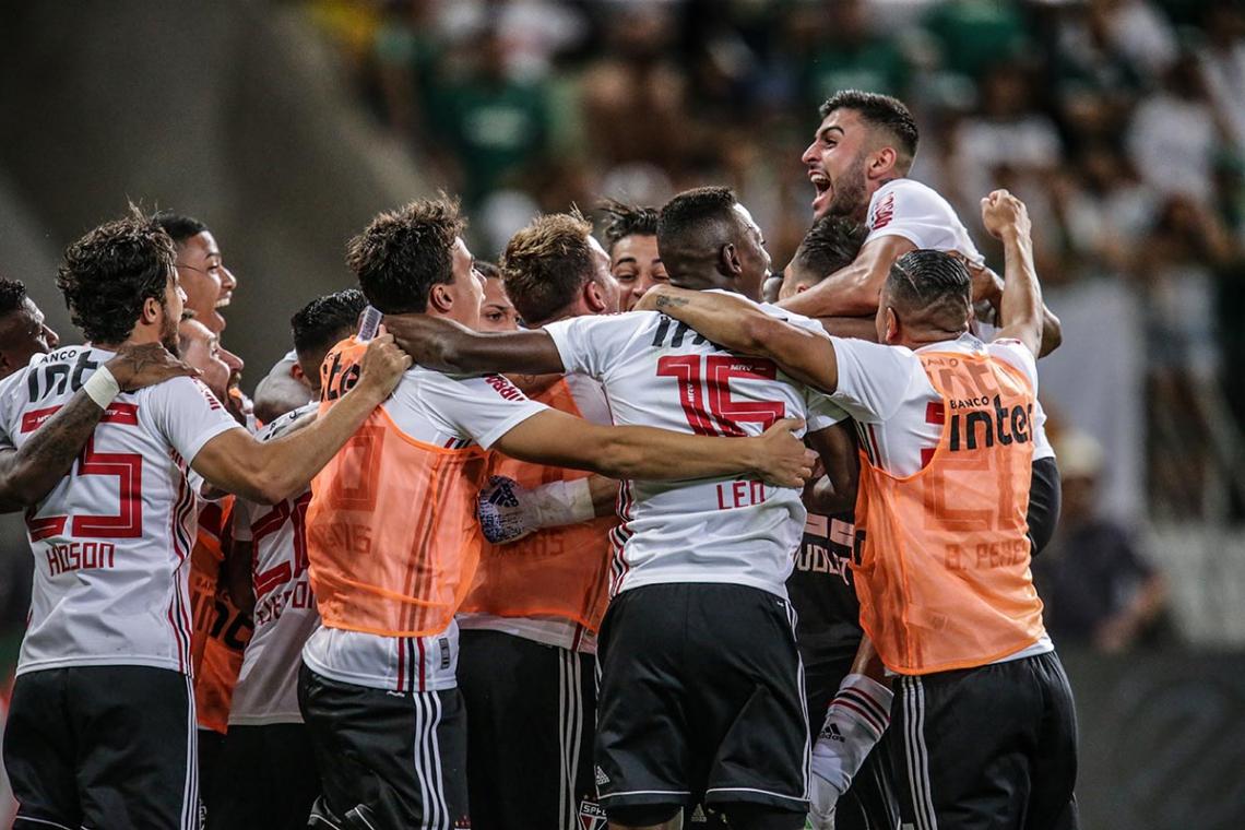 São Paulo carimbou sua vaga na final do Paulista após eliminar o Palmeiras nos pênaltis
