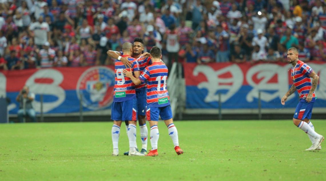 Tricolor avançou para a semifinal com goleada sobre o Vitória