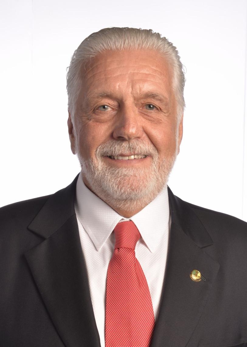 Cleyton Monte Cientista político, professor universitário e pesquisador do Lepem (Laboratório de Estudos sobre Política, Eleições e Mídia)
