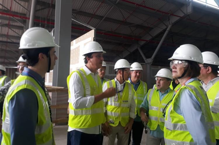 O prefeito Roberto Cláudio, e o governador, Camilo Santana, acompanhados de equipe da Fraport visitaram nesta manhã, 10, as obras realizadas no Aeroporto Internacional de Fortaleza.
