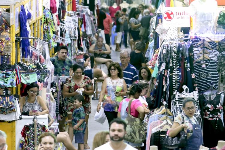 Os produtos que vêem do vestuário foram os que registraram maior alta nos preços em janeiro (Foto: Aurélio Alves/O POVO)